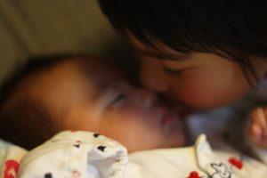 赤ちゃんとお姉ちゃん